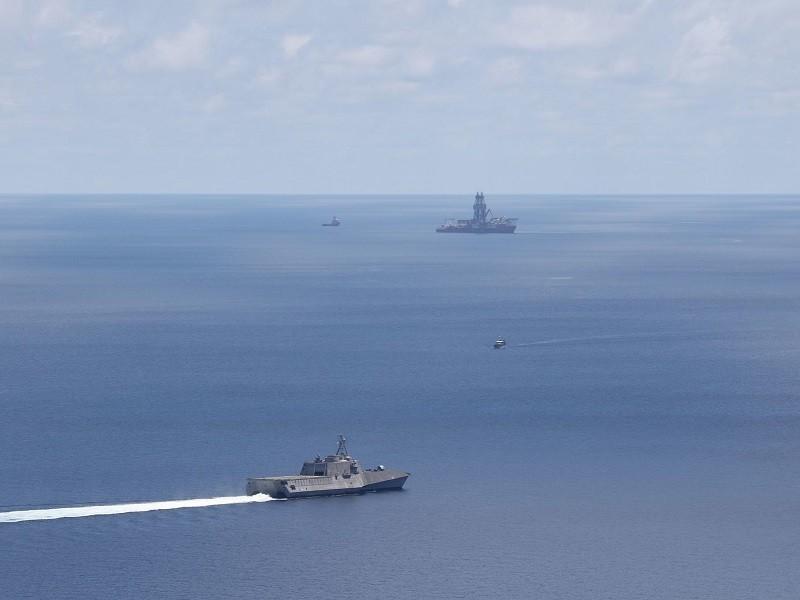 Mỹ tiếp tục điều tàu chiến ngăn tàu Trung Quốc ở Biển Đông - ảnh 1