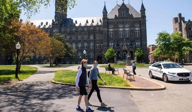 Hơn 50 đại học Mỹ bị kiện vì giữ nguyên học phí dù đóng cửa - ảnh 2
