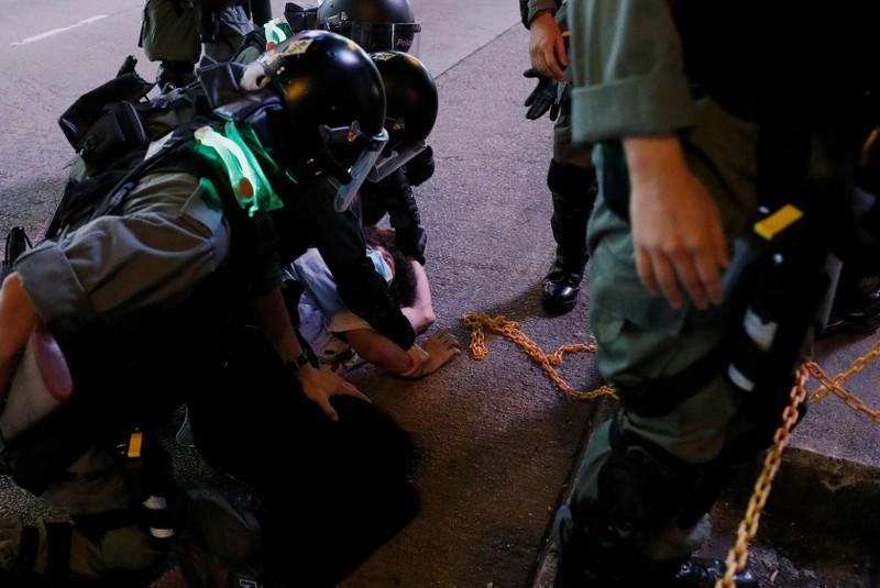 Cảnh sát Hong Kong bắt hơn 200 người biểu tình - ảnh 1