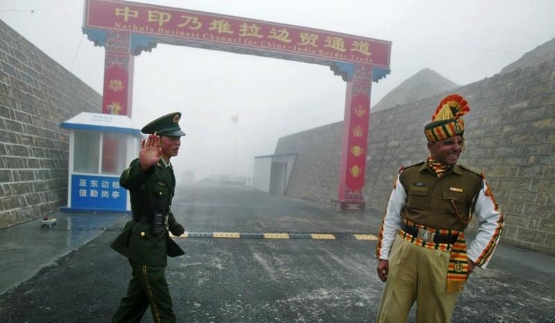 Binh sĩ Trung-Ấn đánh nhau bị thương ở biên giới - ảnh 1