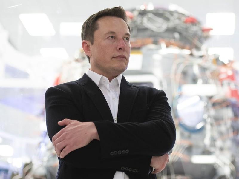 Tỉ phú Musk quyết mở cửa lại nhà máy bất chấp 'bị bắt' - ảnh 4