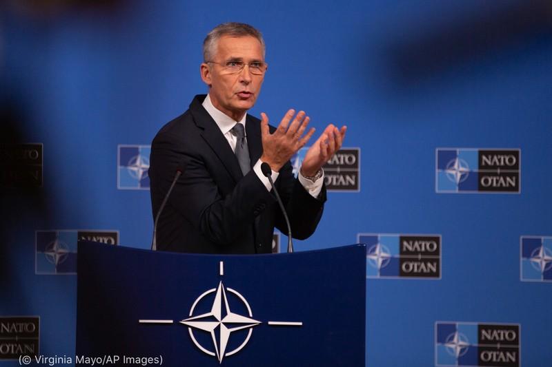 NATO: Đức nên 'bảo vệ hòa bình và tự do' bằng bom hạt nhân Mỹ  - ảnh 1