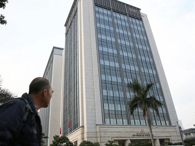 Hong Kong: Sinh viên mang 5 quả bom xăng bị phạt tù 1 năm - ảnh 1