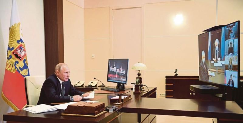 Thủ tướng Nga trở lại nhiệm sở sau khi khỏi COVID-19 - ảnh 2