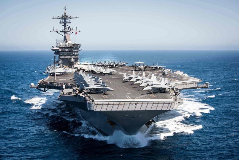 Máy bay ném bom, tàu sân bay Mỹ chuẩn bị quay lại Biển Đông - ảnh 2