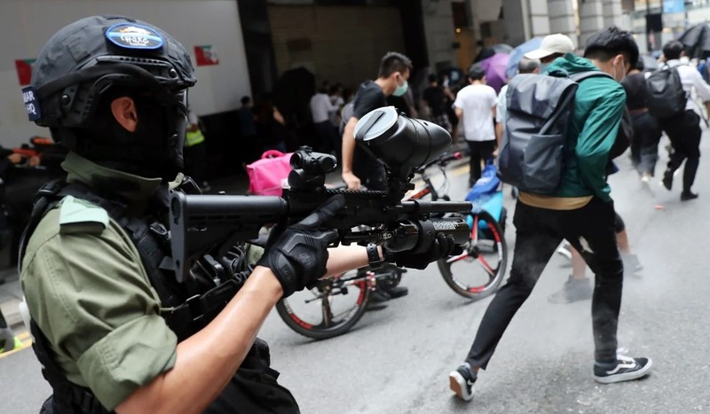 Hơn 360 người biểu tình Hong Kong bị bắt giữ - ảnh 2