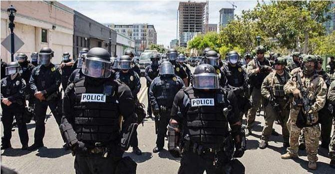 Liệu ông Trump có thể lệnh quân đội dẹp biểu tình bạo loạn? - ảnh 2