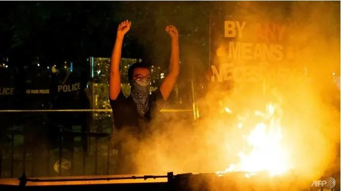 Liệu ông Trump có thể lệnh quân đội dẹp biểu tình bạo loạn? - ảnh 3