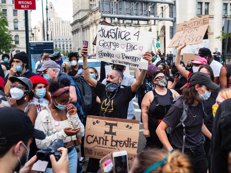 Biểu tình Mỹ: Nhiều nơi cắt ngân sách, giải thể Sở Cảnh sát - ảnh 2
