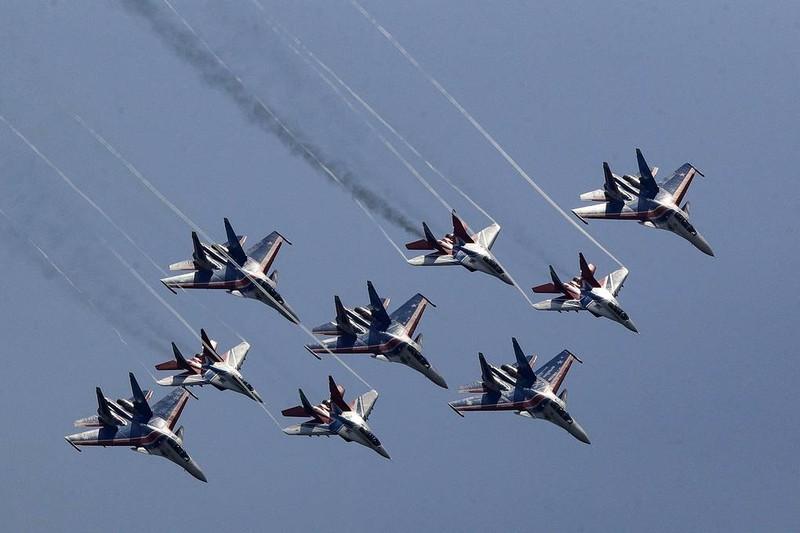 Ảnh: Quân đội Nga tổng duyệt diễu binh mừng ngày chiến thắng - ảnh 2