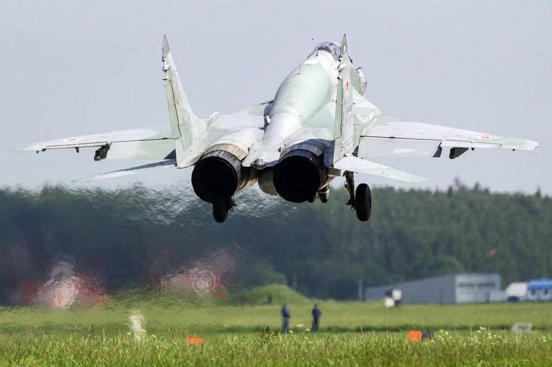 Ảnh: Quân đội Nga tổng duyệt diễu binh mừng ngày chiến thắng - ảnh 6