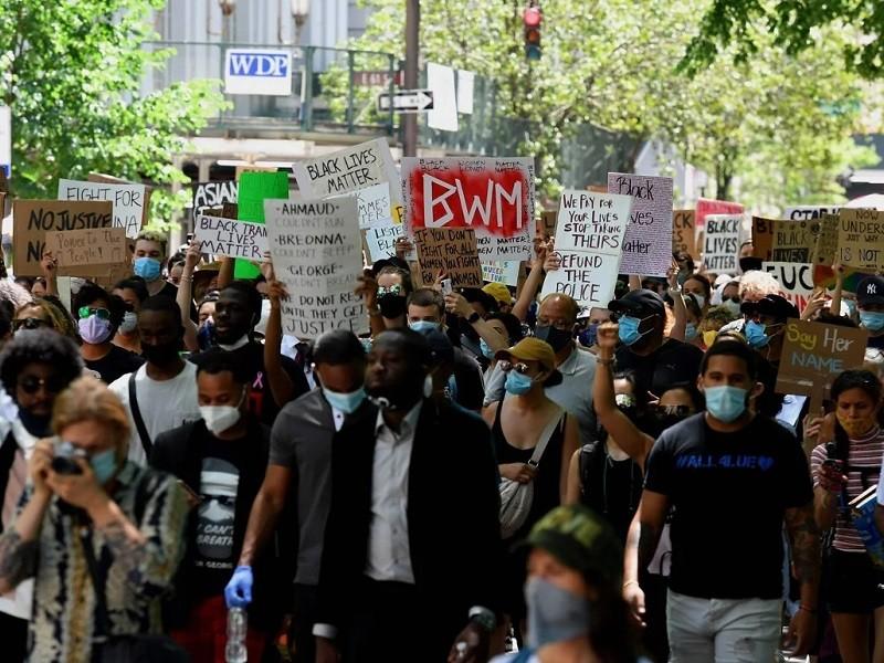 New York ra 10 luật mới nhằm chấm dứt bạo lực của cảnh sát - ảnh 1