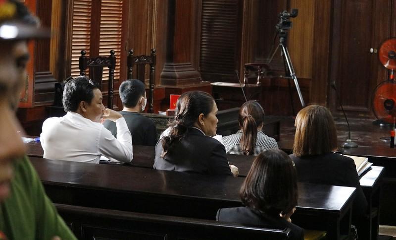 Toàn cảnh phiên tòa xử Phúc XO và 12 đồng phạm - ảnh 6