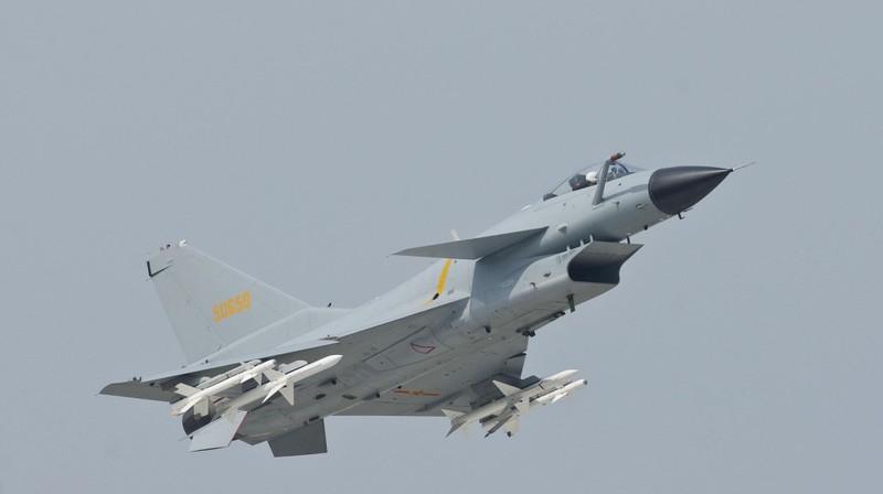 Tiêm kích Trung Quốc tiếp tục áp sát đảo Đài Loan  - ảnh 1