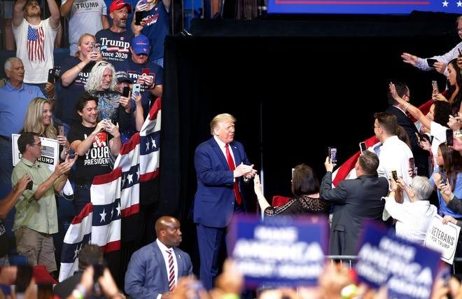 Bất chấp COVID-19, ông Trump tái khởi động tranh cử - ảnh 2