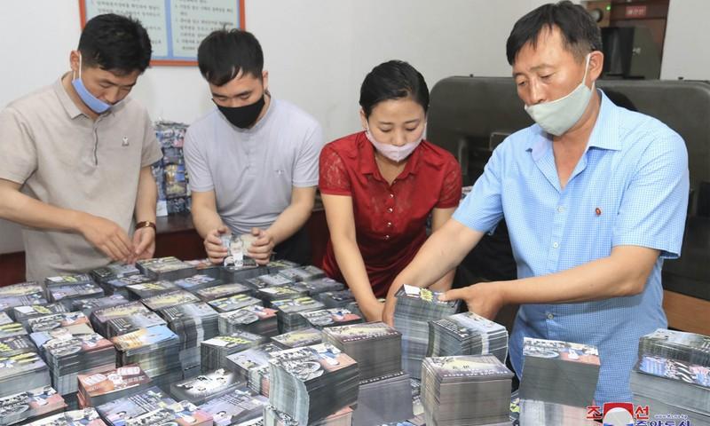 Triều Tiên: Hàng triệu truyền đơn, bóng bay sẵn sàng được thả - ảnh 1