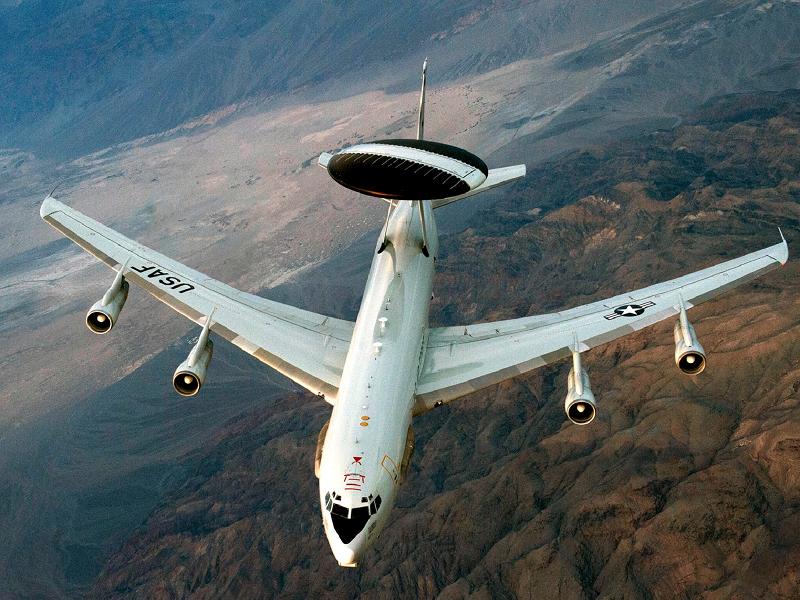 Mỹ điều 2 máy bay đến gần Venezuela - ảnh 1