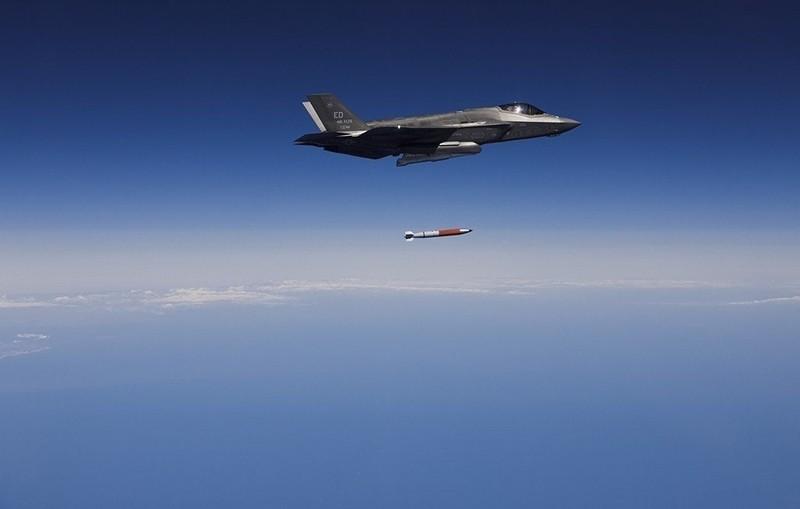 Ảnh: F-35 thử nghiệm thả bom hạt nhân - ảnh 6