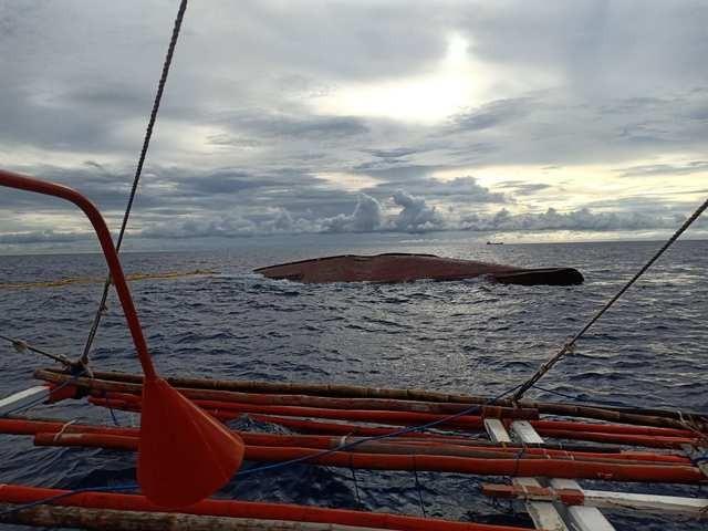 Bị tàu Trung Quốc tông trúng, 14 ngư dân Philippines mất tích  - ảnh 1