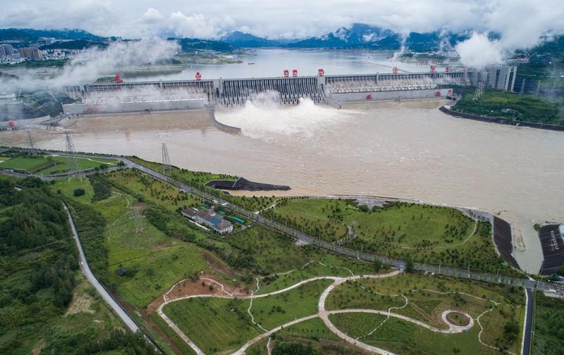 Trung Quốc xác nhận đập Tam Hiệp xả lũ lần đầu trong năm 2020 - ảnh 1
