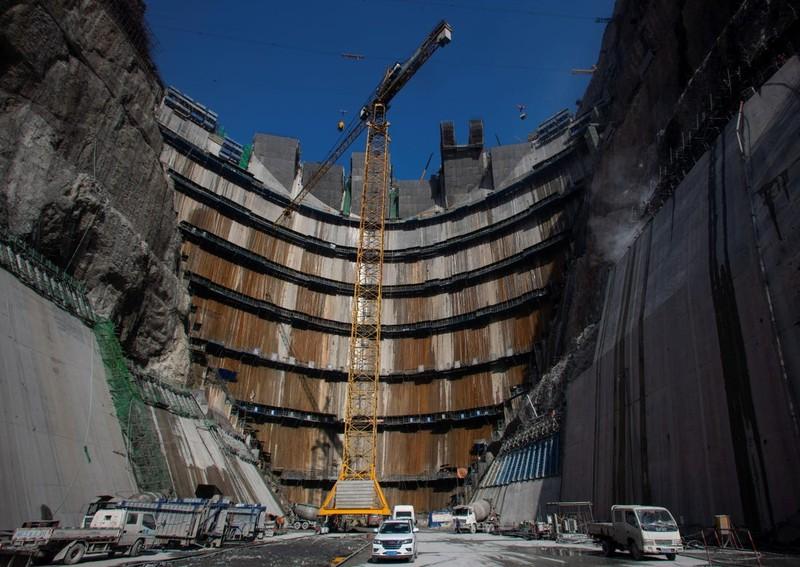 Trung Quốc vận hành siêu đập thủy điện cao gấp rưỡi Tam Hiệp - ảnh 3