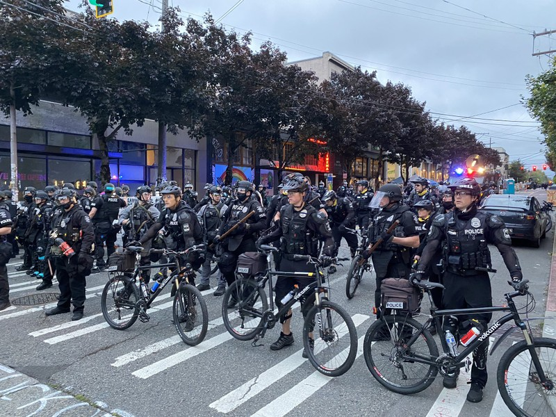 Mỹ giải tỏa 'khu tự trị' của người biểu tình ở Seattle - ảnh 1