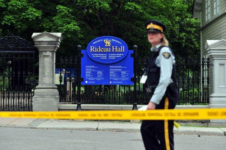 Quân nhân Canada bị bắt vì lao xe tải vào dinh thủ tướng - ảnh 3
