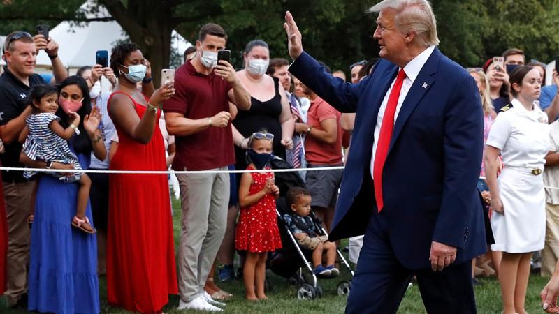 Mỹ dịch nguy hiểm, ông Trump vẫn tiếp tục vận động tranh cử - ảnh 1