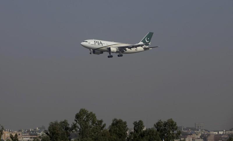 Mỹ cấm hãng bay Pakistan liên quan vụ dùng bằng giả - ảnh 1