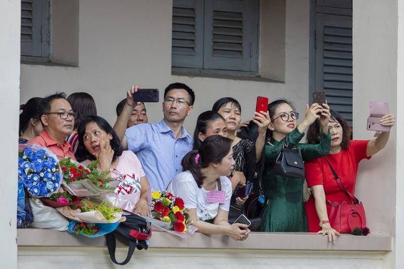 Lễ ra trường đầy xúc động của học sinh THPT Lê Hồng Phong  - ảnh 15