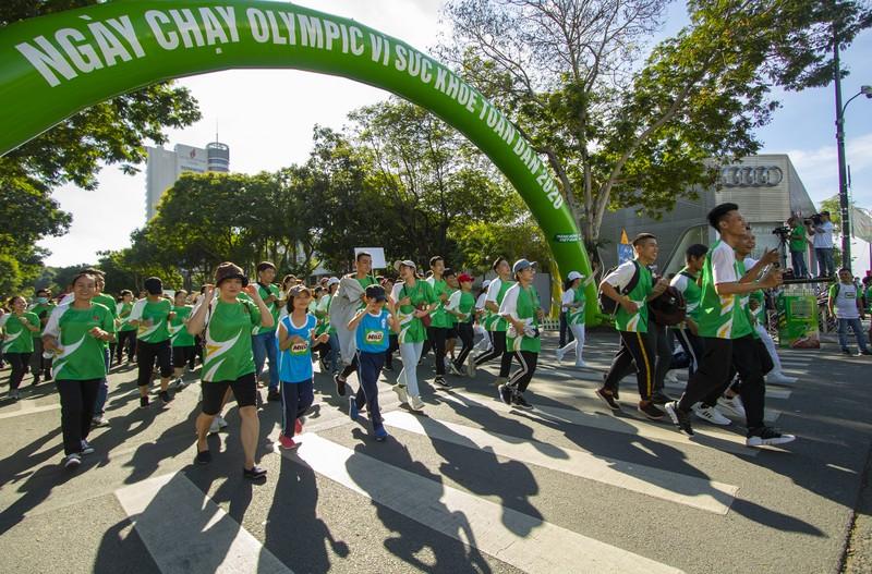 20.000 người tham gia chạy Olympic cấp thành phố - ảnh 3