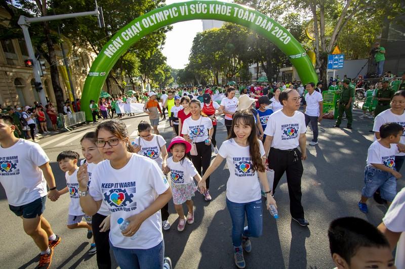 20.000 người tham gia chạy Olympic cấp thành phố - ảnh 6