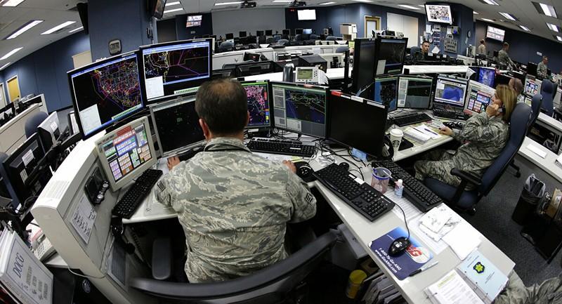 Tướng Mỹ lo hệ thống máy tính quân đội bị tấn công - ảnh 1