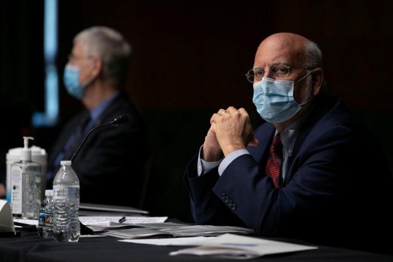 CDC Mỹ: Có một cách để kiểm soát COVID-19 sau 4-8 tuần - ảnh 1
