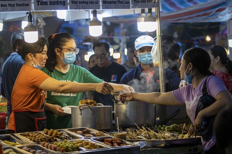 Đến ngày hội liên hoan ẩm thực ăn cơm lam, ba khía trộn - ảnh 7