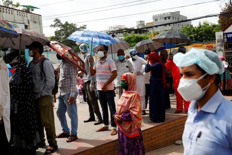 Giấy xét nghiệm âm tính COVID-19 giả 'bán chạy' tại Bangladesh - ảnh 2