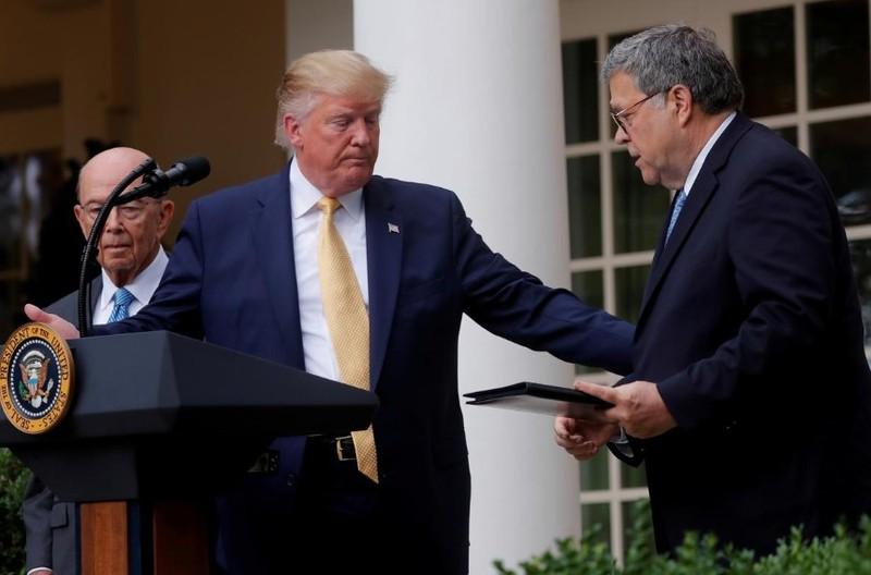 Ông Trump loại người nhập cư trái phép khỏi thống kê dân số - ảnh 1