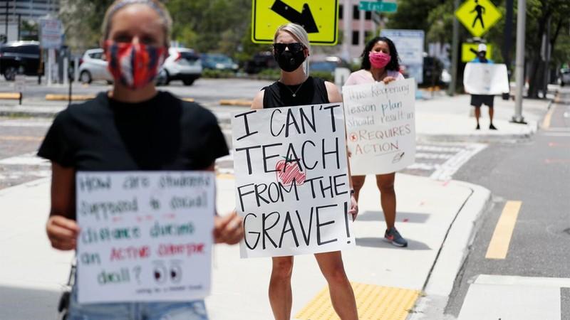 Mỹ: Giáo viên xuống đường biểu tình phản đối mở cửa trường học - ảnh 2