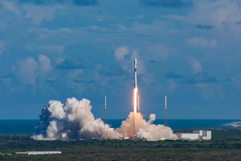 Hàn Quốc phóng vệ tinh quân sự đầu tiên lên không gian - ảnh 1