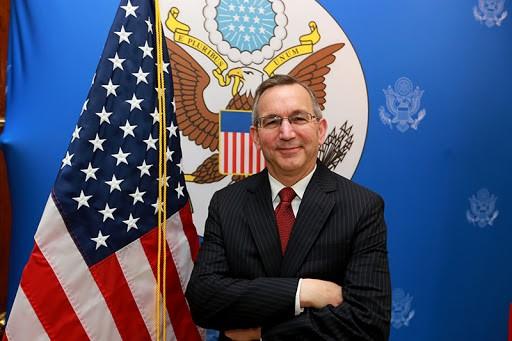 Các đại sứ quán của Mỹ, Trung ở ASEAN 'đấu nhau' trên Facebook - ảnh 1