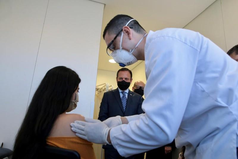 Vaccine COVID-19: Tới giai đoạn thử nghiệm cuối cùng ở người - ảnh 2
