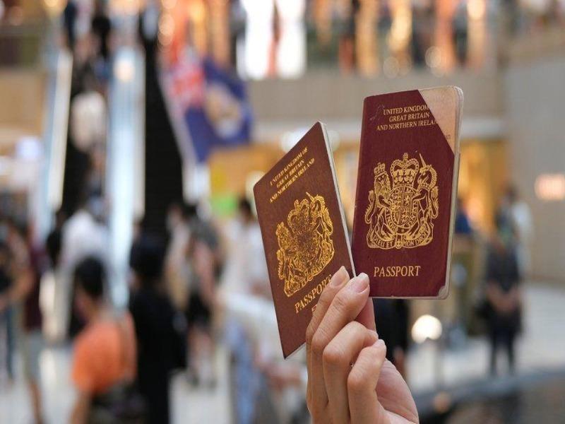 Trung Quốc dọa ngừng công nhận hộ chiếu Anh cấp cho Hong Kong - ảnh 1