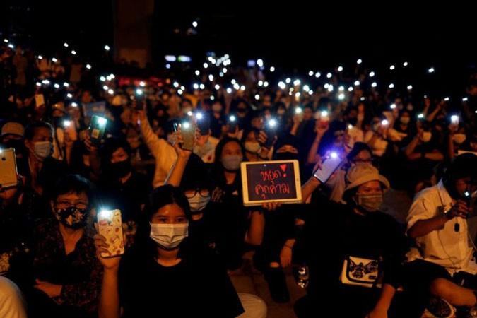 Thái Lan: Biểu tình đòi Thủ tướng từ chức - ảnh 1
