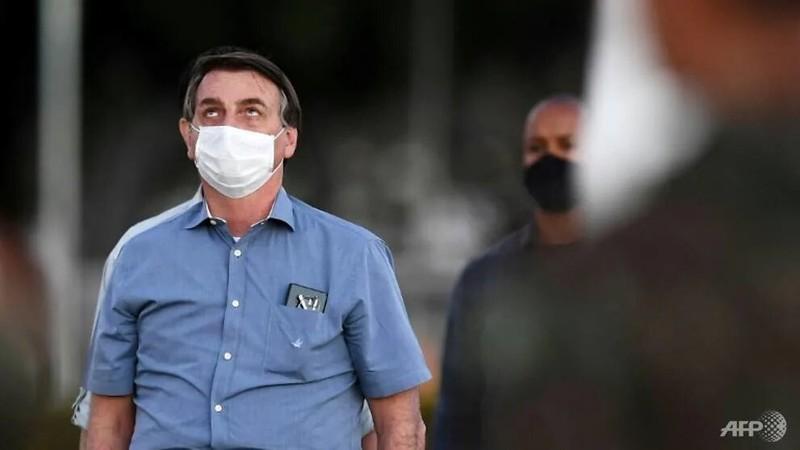 Tổng thống Bolsonaro khỏi COVID-19, nhưng Brazil thêm u ám - ảnh 1