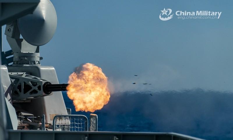 Quân đội Trung Quốc tập trận tại cửa ngõ Biển Đông - ảnh 1