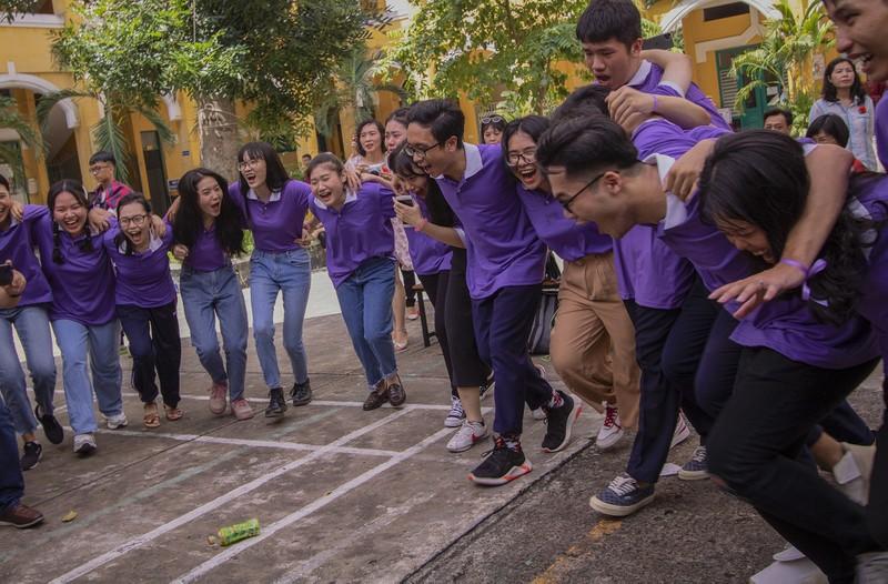 Ngày chia tay cuối cấp của học sinh Trường THPT Trưng Vương - ảnh 10