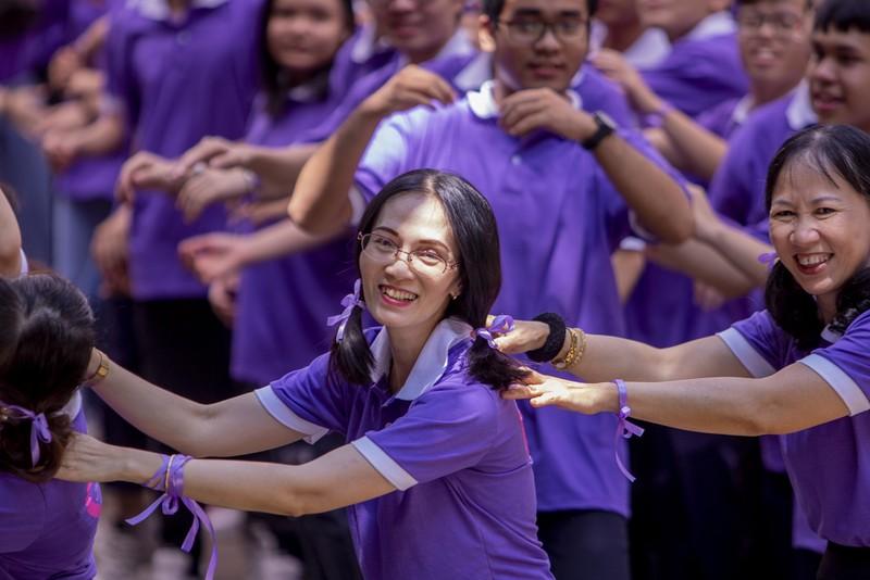 Ngày chia tay cuối cấp của học sinh Trường THPT Trưng Vương - ảnh 9