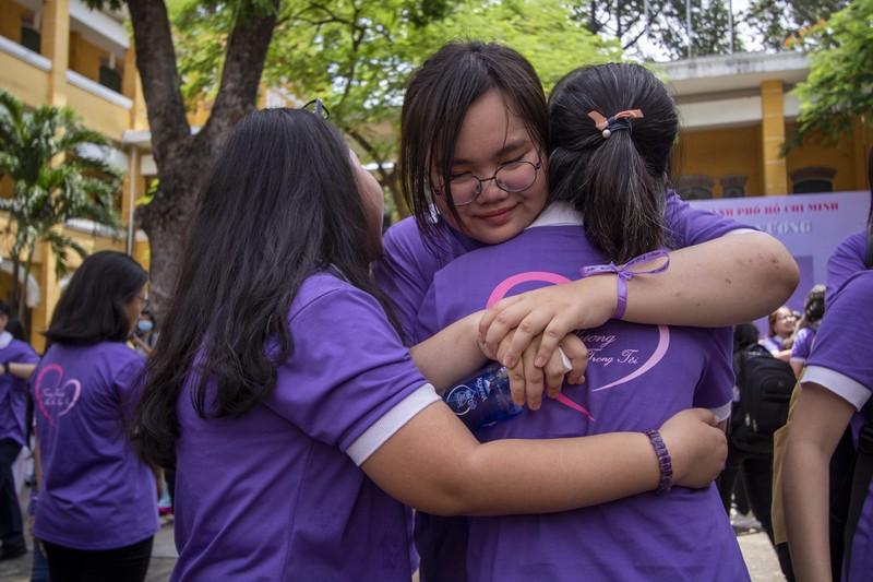 Ngày chia tay cuối cấp của học sinh Trường THPT Trưng Vương - ảnh 11