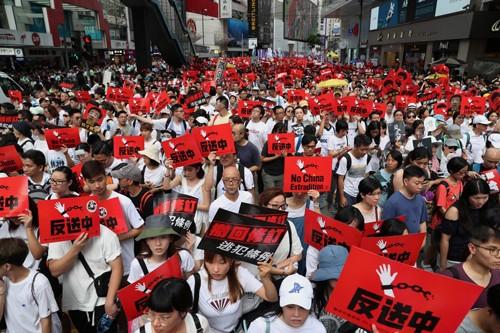Bốn sinh viên Hong Kong bị bắt theo luật an ninh quốc gia mới - ảnh 1