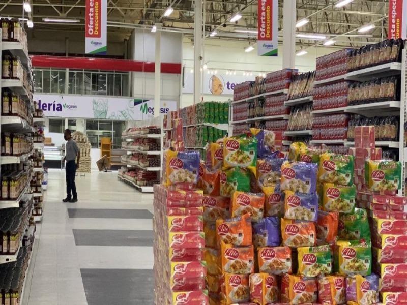 Bất chấp lệnh cấm vận, Iran khai trương siêu thị ở Venezuela - ảnh 1